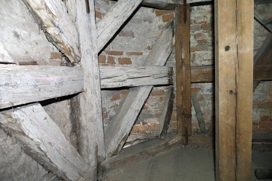 Trinitatiskirche Gablenz Sanierung Baufortschritt Segment vorher