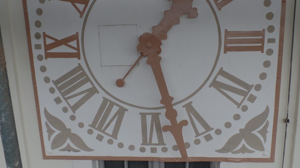 Erneuerung der Kirchturmuhr